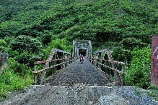 bridge-in-sacapulas-01_23388221019_o